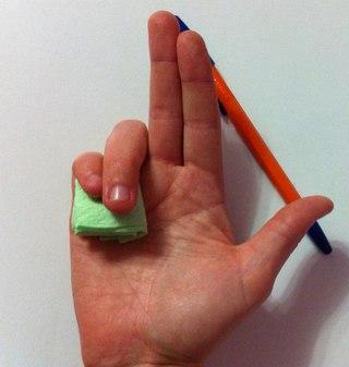 6 способов, как научить ребенка правильно держать ручку или карандаш. (320x337, 16Kb)