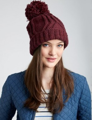 patons_classicwoolworsted_cabletravellerhat (304x397, 92Kb)