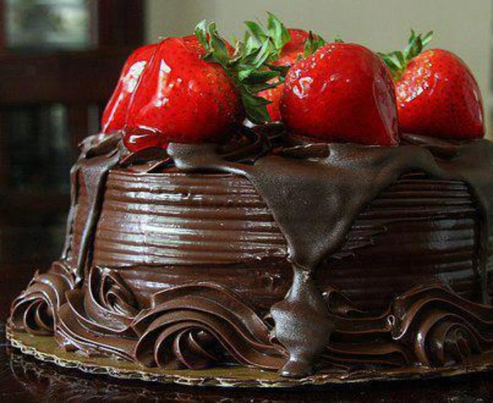 торт шокклубничный (700x573, 405Kb)