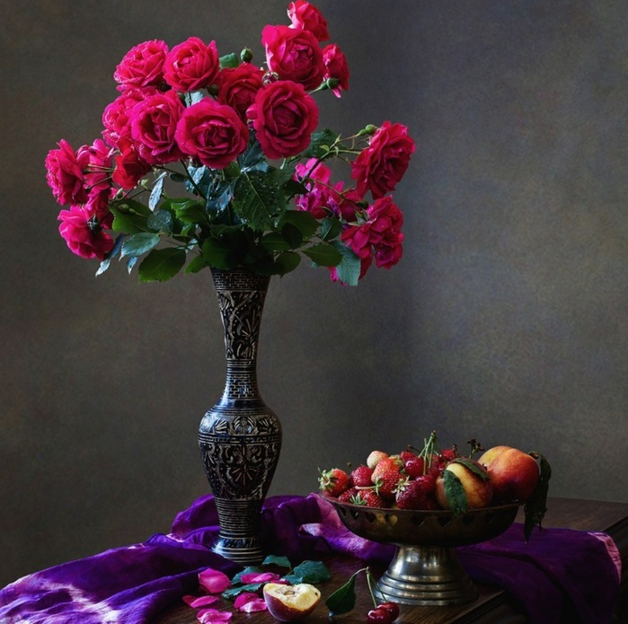 rose_still_life_red_floral_nature_flowers_hd-wallpaper-1805743 (700x695, 128Kb)