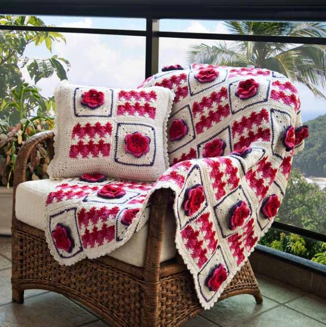 Красивые пледы и подушки для уюта в доме