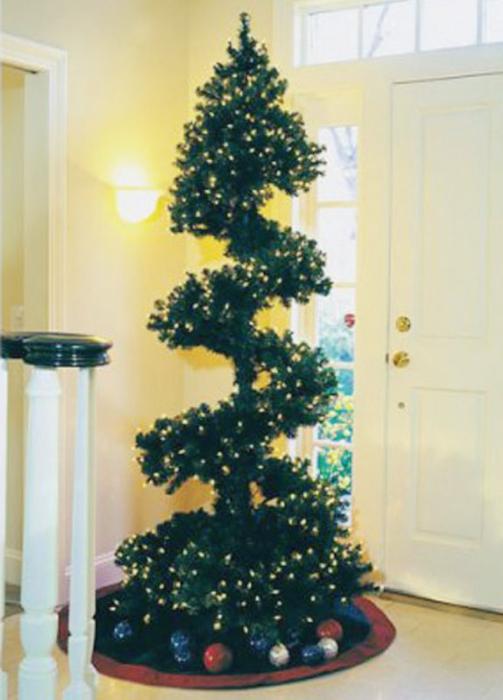 Новогоднее украшение из елки своими руками
