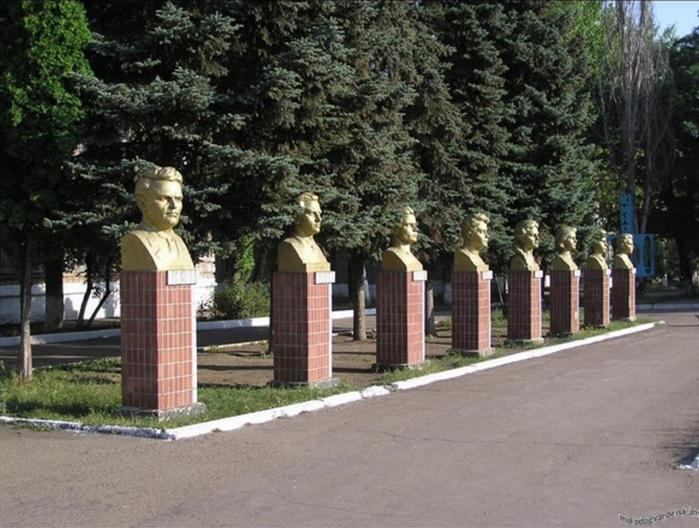 http://img0.liveinternet.ru/images/attach/c/9/126/787/126787140_RRRSRSRRSR1.png
