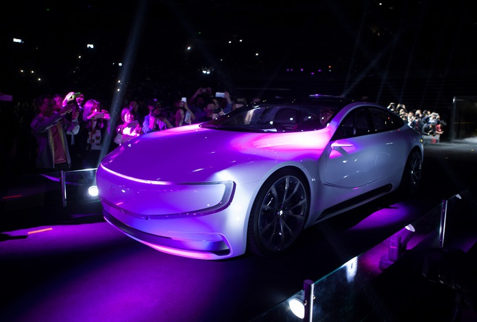 LeSee-electric-car-concept-ecotechnica-2 (696x470, 237Kb)