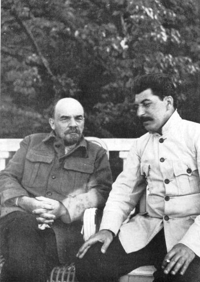 09 Lenin_and_stalin (407x573, 107Kb)