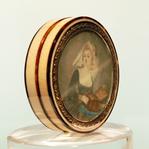 Превью Boite-en-ivoire-ecaille-miniature-sur-ivoire (311x310, 101Kb)