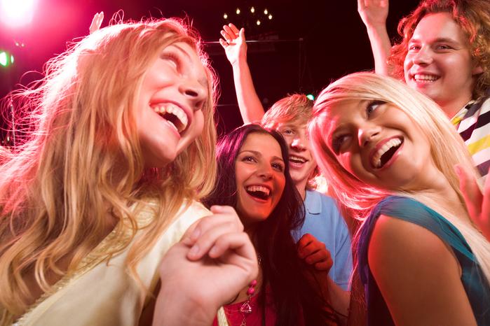Ибица-модные места для веселья и знакомства/3085196_corporate_party_10 (700x466, 423Kb)