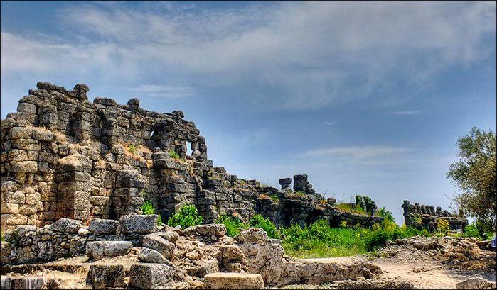 Сиде. Стены древнего города