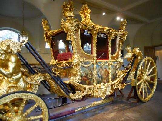 кареты букингемский дворец: