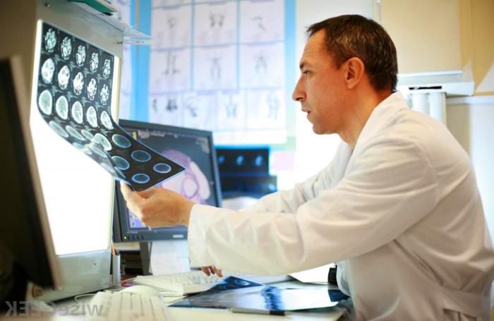 "alt=""МРТ головного мозга с контрастным веществом""/2835299_MRT_golovnogo_mozga_s_kontrastnim_veshestvom (700x455, 103Kb)"