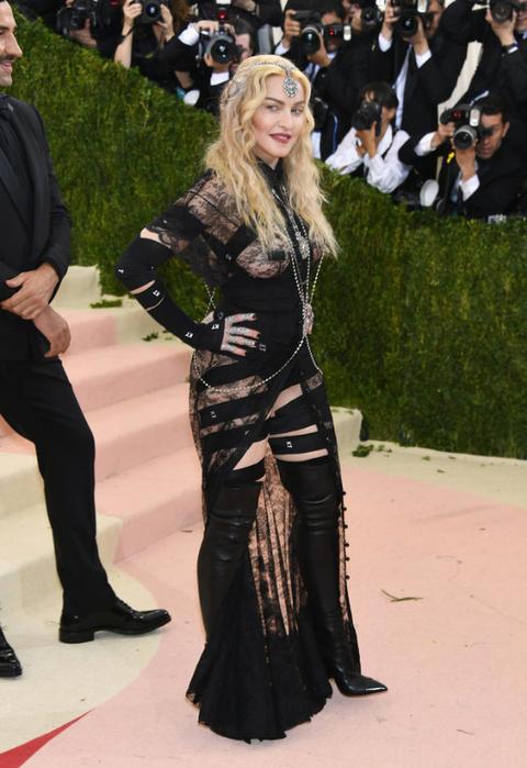 Madonna-Met-Gala-2016 (1) (480x700, 351Kb)