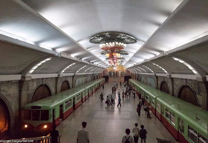 метро в пхеньяне фото 6 (700x482, 347Kb)