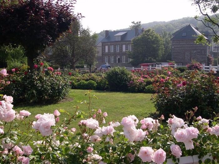 krasivye_doma_-Veules-Les-Roses_01-e1446214995385 (700x525, 479Kb)