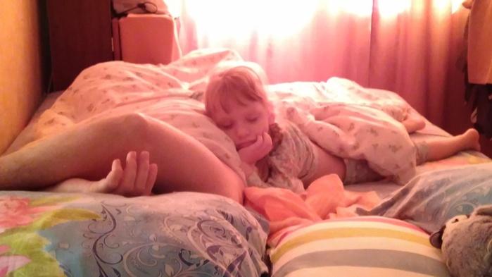 Попа спящей мамочки172