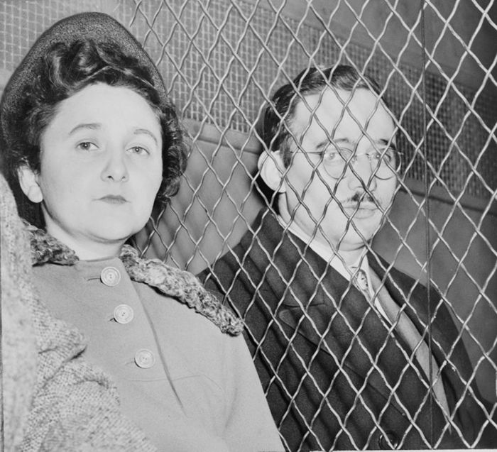5421357_800pxJulius_and_Ethel_Rosenberg_NYWTS (700x637, 87Kb)