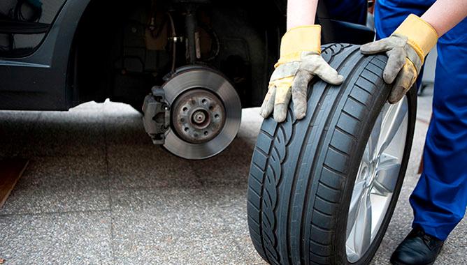 повреждения шин автомобиля