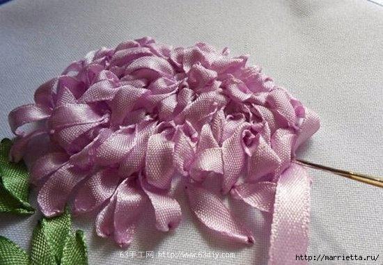 Объемная вышивка. Ромашки, одуванчики, хризантемы и мимоза (35) (550x381, 146Kb)