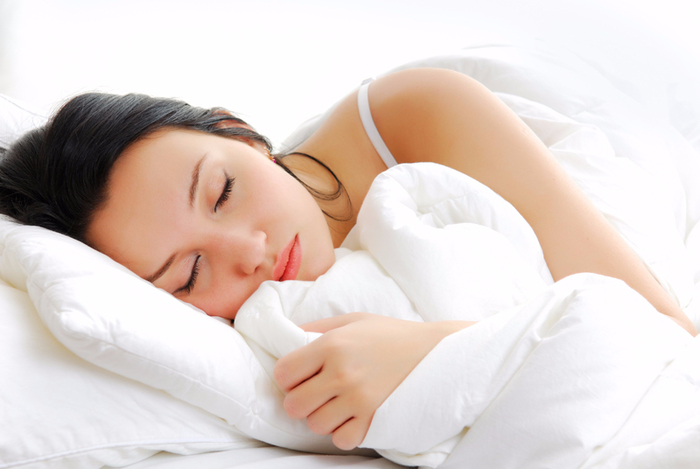 спать-под-одеялом (700x469, 237Kb)