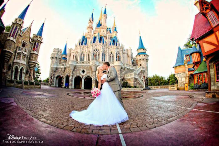 disney-weddings-1 (700x466, 264Kb)
