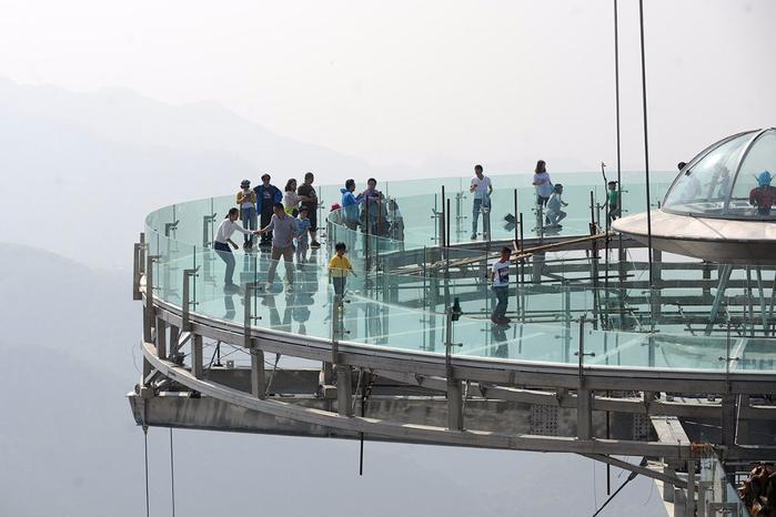 стеклянная смотровая площадка в китае 3 (700x466, 259Kb)