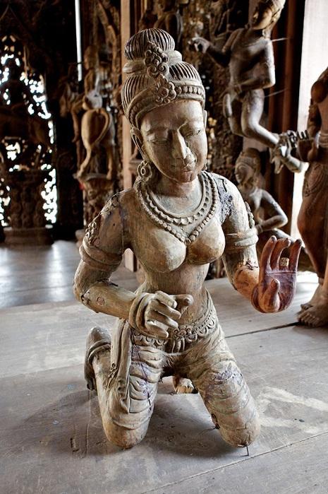 Храм-истины-в-Паттайе-Тайланд-10 (465x700, 148Kb)