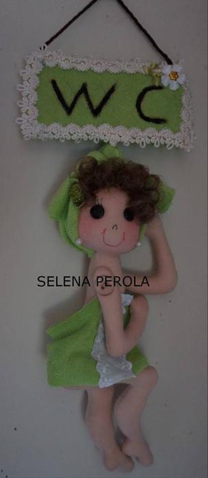 Куколка из фетра - подвеска для двери или на стену (1) (304x700, 134Kb)