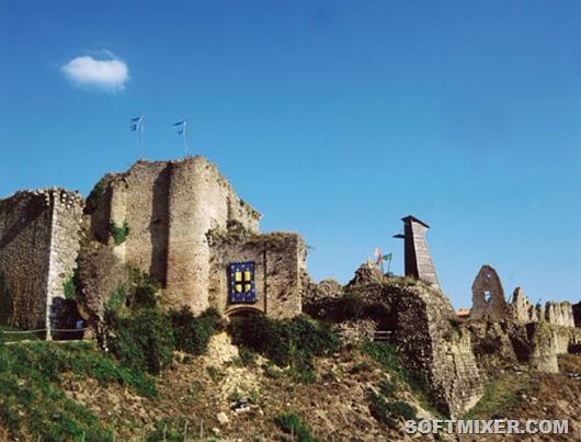 Chateau_20de_20Tiffauges_thumb[5] (530x403, 191Kb)