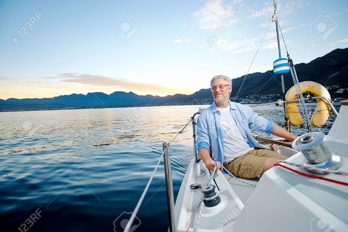 20485775-carefree-happy-sailing-man-portrait-of-mature-retired-man-on--Stock-Photo (700x465, 55Kb)