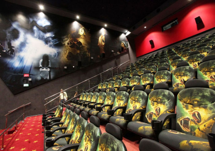875697_beautiful_movie_theaters_24 (700x492, 90Kb)