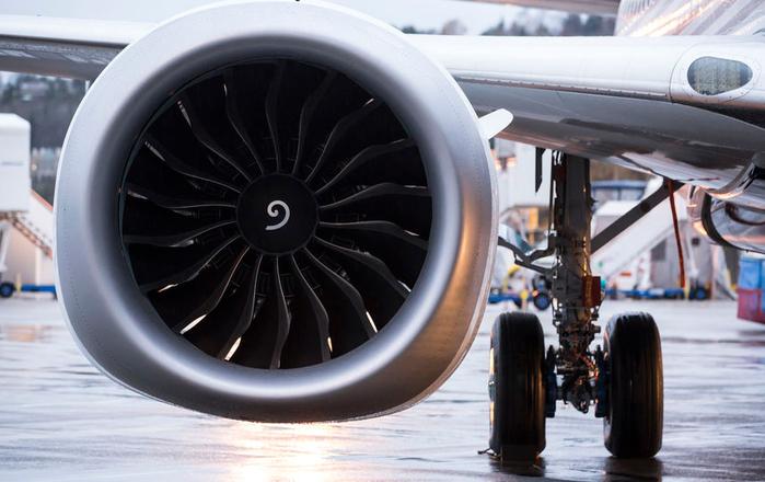 монеты в турбине самолета 4 (700x440, 308Kb)