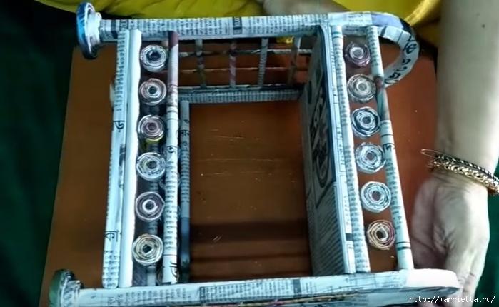 Декоративная полочка из газетных трубочек. Мастер-класс (2) (700x430, 197Kb)