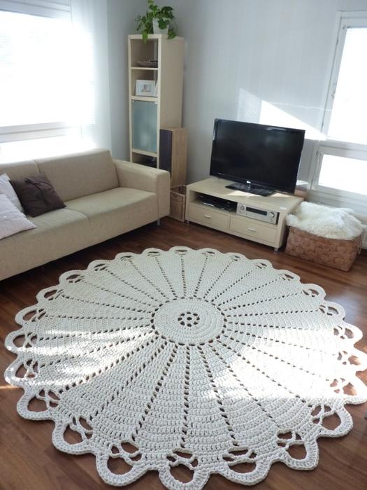 tapete-de-barbante-croche-na-sala-ambiente-decorado-circular-branca-detalhada-nórdico-escandinavo (525x700, 355Kb)