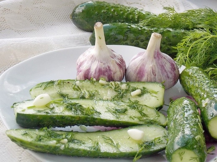 Вкуснейшие малосольные огурцы за 15 минут