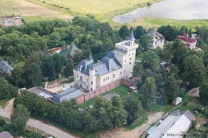 Замок Галкина и Пугачевой в Грязи