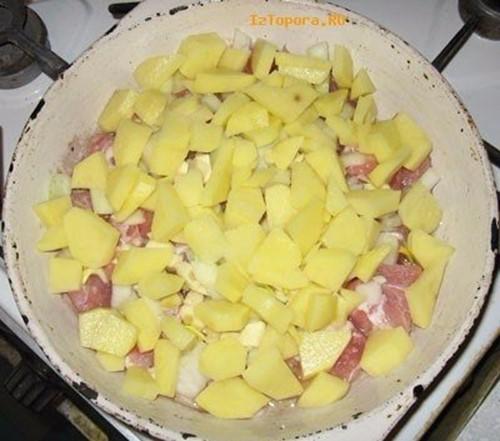 Тушеное мясо под сыром! Вкусное простое блюдо
