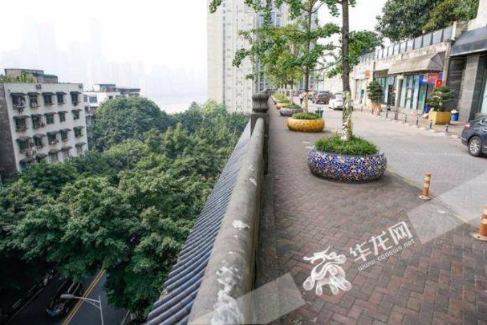 автотрасса на крыше китай 3 (700x467, 325Kb)