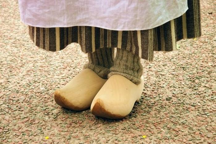 Кто придумал обувь?