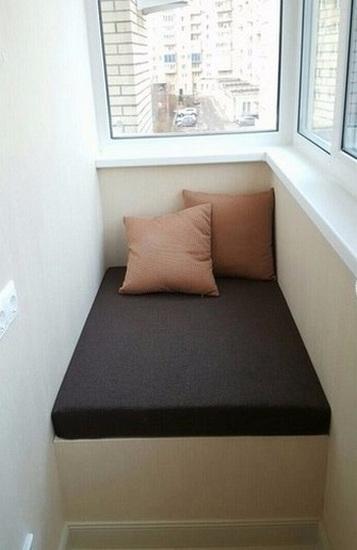 Идеи диванчиков на балкон
