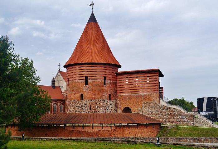 2. Каунасский замок (700x480, 389Kb)