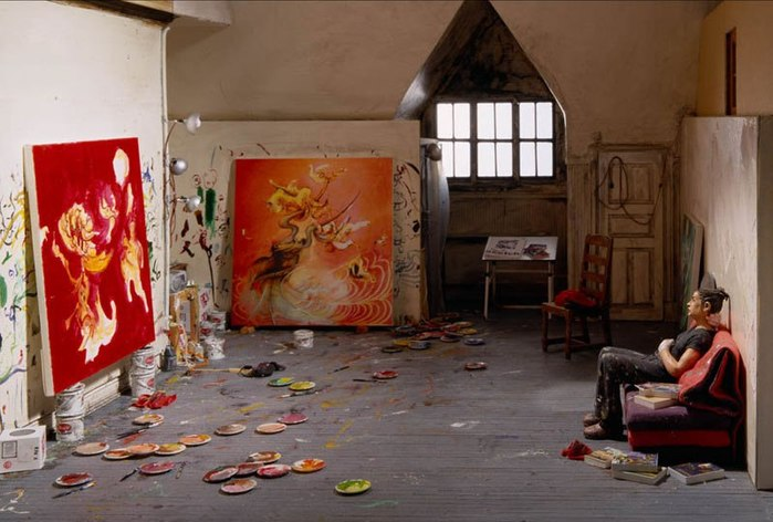 Миниатюры: художники внутри своих студий