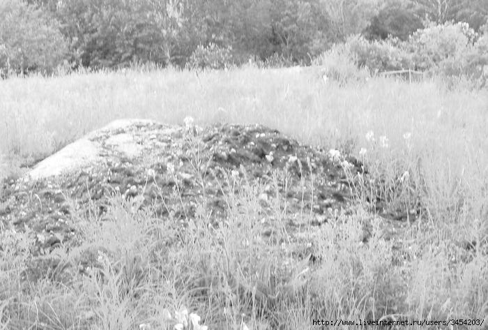 Рис.1.2.1.2 Место захоронения на кладбище пос. Аблакетка. Фотография 2009 г. (700x473, 246Kb)