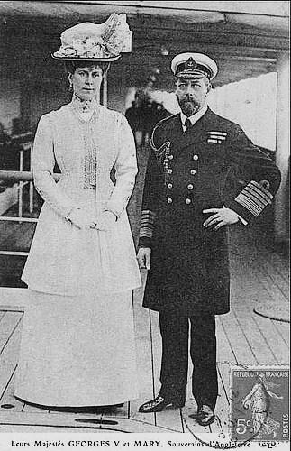 Рис.2.2.4.2 Новый Король Великобритании Георг V Виндзорский был ниже Виктории-Марии фон Тэк (Марии Текской) (323x500, 164Kb)