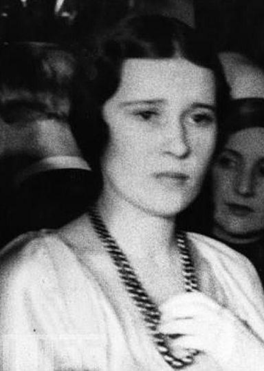 Рис.2.2.4.4 Супруга Принца Эдуарда, Принцесса Елизавета (1904-19--),  дочь Королевича Николая Греческого и Великой Княгини Елены Владимировны (384x539, 88Kb)