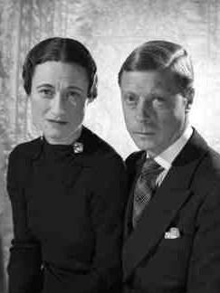 Рис.2.2.4.6 Эдуард Виндзорский и Уоллис Симпсон после отречения от Престола чудесным образом превратились в супружескую чету Кеннеди (243x324, 37Kb)