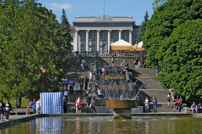 В Луцке на месте фонтана предлагали сделать развлекательный центр
