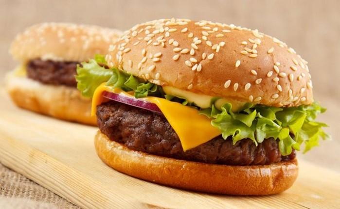 Видео, как делают бургеры