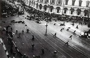 19170704_Riot_on_Nevsky_prosp_Petrograd (300x193, 58Kb)