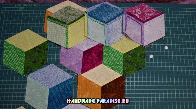 Лоскутное одеяло «Кубики» в технике пэчворк (21) (642x356, 244Kb)