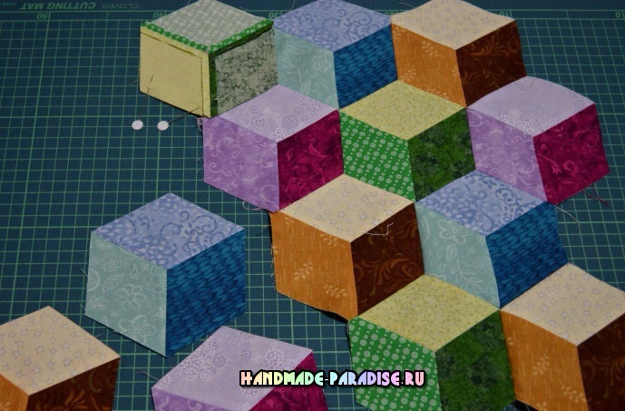 Лоскутное одеяло «Кубики» в технике пэчворк (25) (689x453, 327Kb)