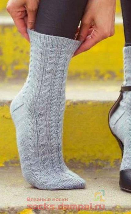 Носки вязанные жгутом